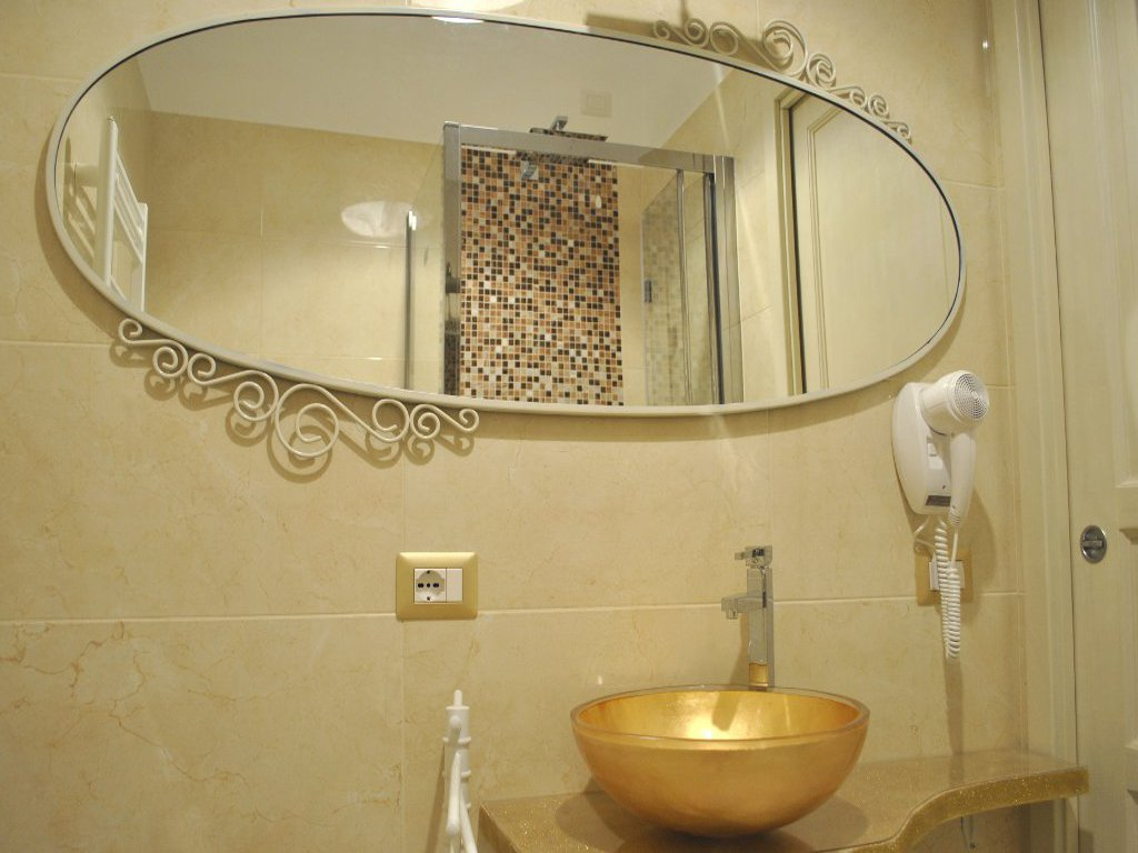 camera-room-bathroom-en-suite-marble-bain-marmo